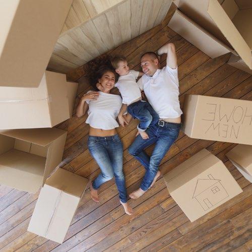 Möbelmontage und Transport | Umzug mit Familie
